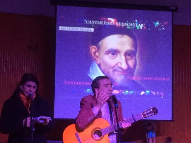 Keko González ofrece concierto en nuestra Parroquia