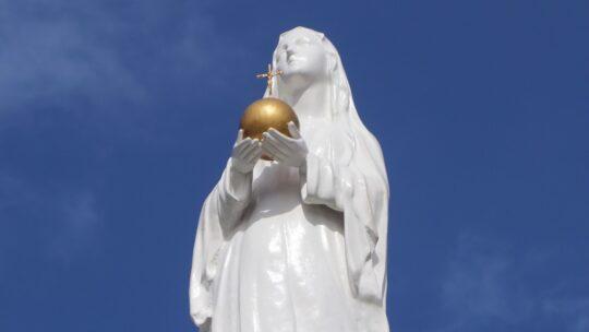 Imagen de la Reina del Mundo en el frotis de la Parroquia